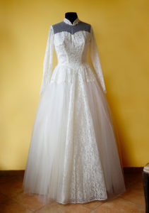 1940s Tulle and Lace White Wedding Dress Long Sleeves