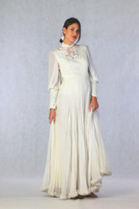 1970s White Lace and Pleated Chiffon Whide Sleeves
